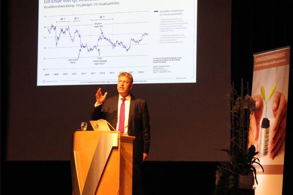 Kapitalmarktexperte Philipp Vorndran räumt mit Mythen der Geldanlage auf