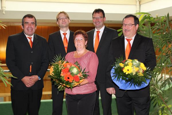 Gruppenbild mit verabschiedeten Mitarbeitern