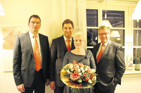 Herr Böhm mit Frau und Vorstand