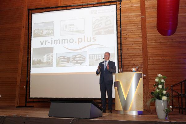 Vorstandsvorsitzender Helmut Euler während seines Vortrages