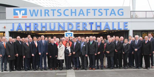 Mit mehr als 50 Vertretern aus Wirtschaft und Politik in der vollbesetzten Jahrhunderthalle